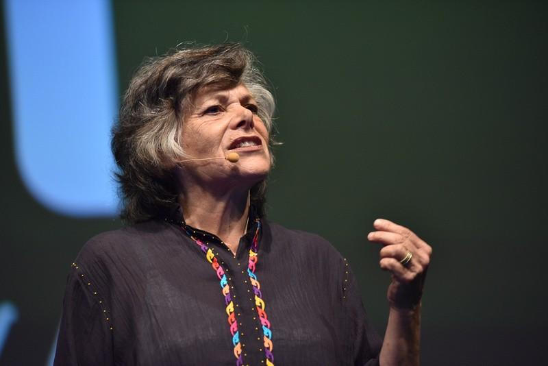 O psicóloga Ellen Langer em palestra nesta quarta-feira (11/11) em São Paulo (Foto: @_openspace_)