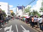 Eleitores enfrentam longas filas para regularizar título (Gil Oliveira/ G1 PI)