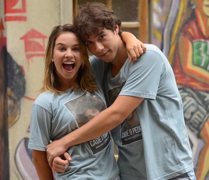 Laryssa Ayres posa com Vitor Novello, seu parceiro de cena (Foto: Pedro Carrilho/Gshow)