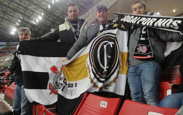 Torcida do Corinthians no estádio de Toyota (Foto: Zé Gonzalez / Globoesporte.com)