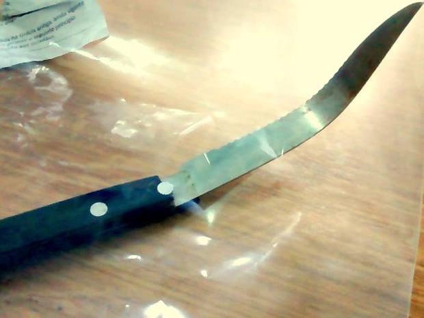 Faca usada durante agressão em escola de Piracicaba (Foto: Valter Martins/Piracicaba em Alerta)