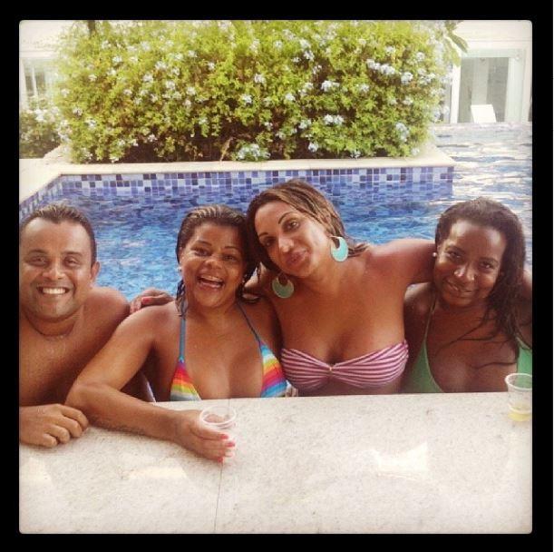Taty Quebra Barraco e amigos (Foto: Instagram/Reprodução)