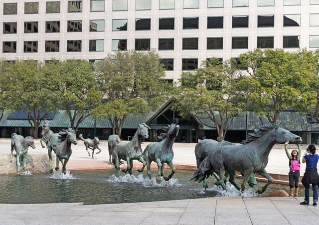 14 esculturas públicas fascinantes espalhadas pelo mundo
