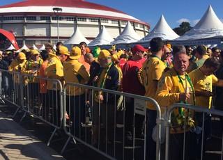 Filas se formam para entrada no Beira-Rio (Foto: Rafaella Fraga/Globoesporte.com)