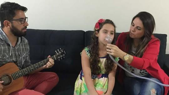 Ana Beatriz se prepara para a tarde shows ao vivo do The Voice Kids