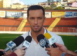 Nenê Al-Gharafa visita Paulista Jundiaí (Foto: Divulgação / Paulista FC)
