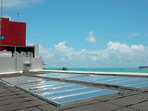 Hotéis da Paraíba usam placas para aquecer água e economizar no chuveiro eletrico (Foto: Divulgação/Solar Tech)