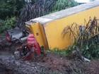Motorista fica preso por 5 horas em caminhão após acidente em Ferraz