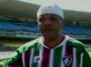 Geraldino Edgar invadiu o campo para impedir goleada do Fla (Foto: Reprodução SporTV)
