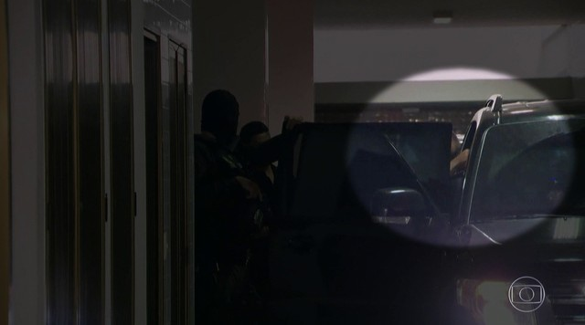 Sérgio Cabral é preso acusado de receber mais de R$ 224 milhões em propina