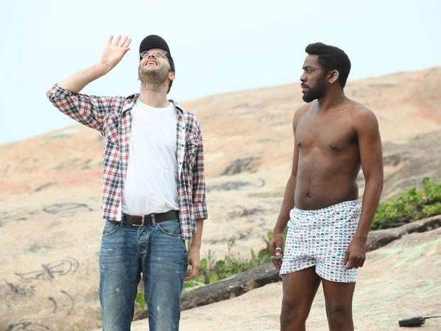 Ator recebe orientações antes de gravar Geração Brasil (Foto: Carol Caminha/TV Globo)