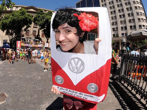 Mulher fantasiada de kimbi no Bloco Fogo e Paixão  (Foto: Alexandre Durão/G1)
