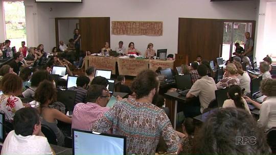 UEL decide suspender calendário acadêmico devido à greve estudantil