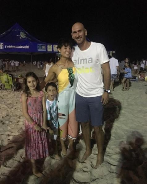 Amandha Lee, Nalbert e os filhos (Foto: Reprodução / Instagram)