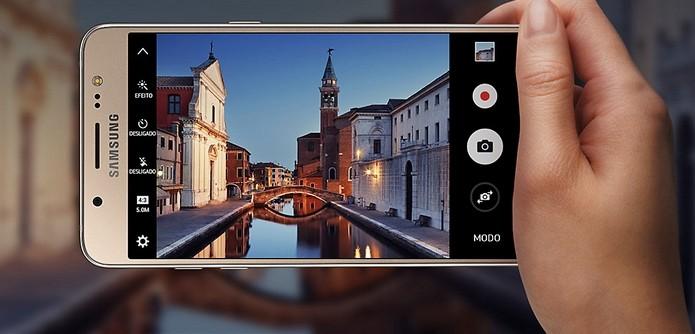 J5 Metal, de 2016, traz câmeras de 13 MP e 5 MP (Foto: Divulgação/Samsung)