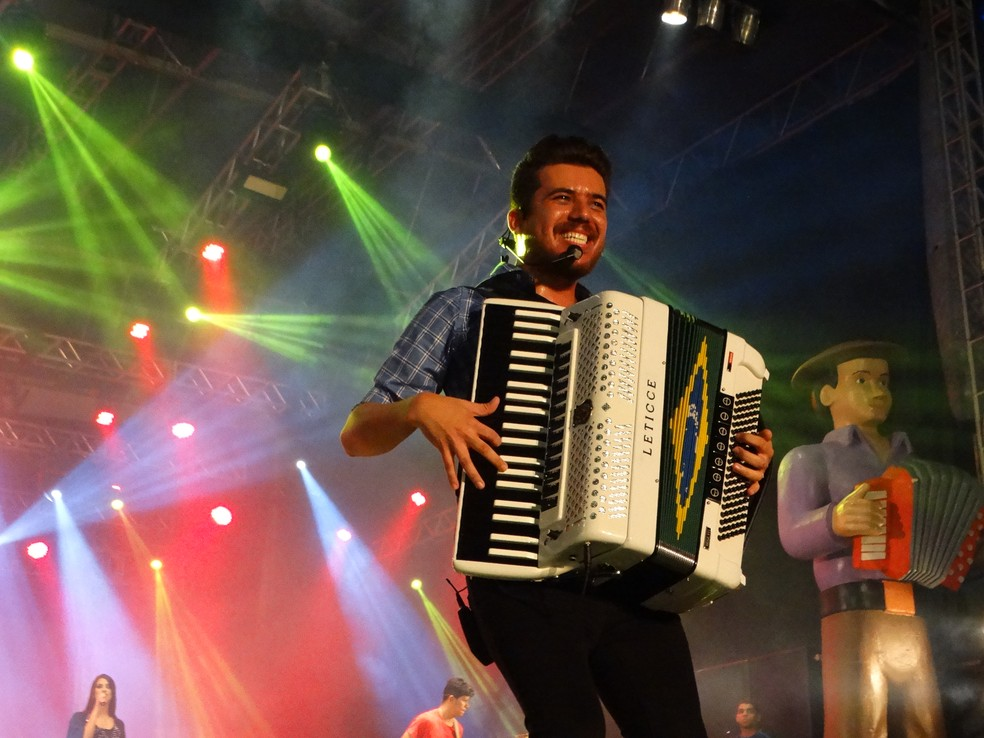 Luan Estilizado e seu empresário apresentaram versão diferente da versão do prefeito de Boqueirão (Foto: Kamylla Lima/G1/Arquivo)
