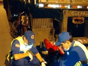 Homem de 26 anos morreu no local do acidente (Foto: Corpo de Bombeiros de Barra Velha/Divulgação)