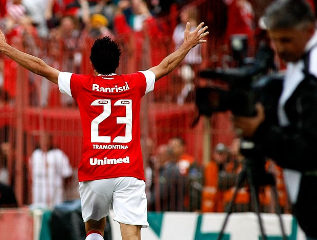 datolo internacional gol grêmio (Foto: Carlos Eduardo de Quadros / Agência Estado)