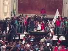 Manifestantes contra pacote do governo do RJ invadem Alerj