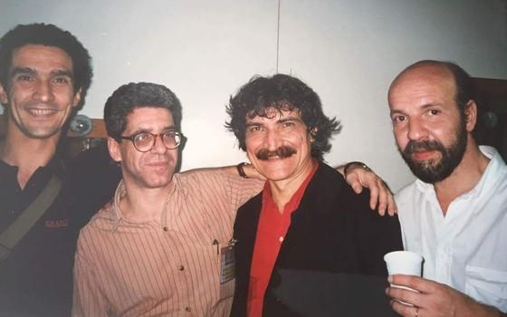 Com o Belchior: num show em São Paulo, no final dos anos 90. Acho que eu sou o da esquerda (Foto: Gabriela Aguerre)