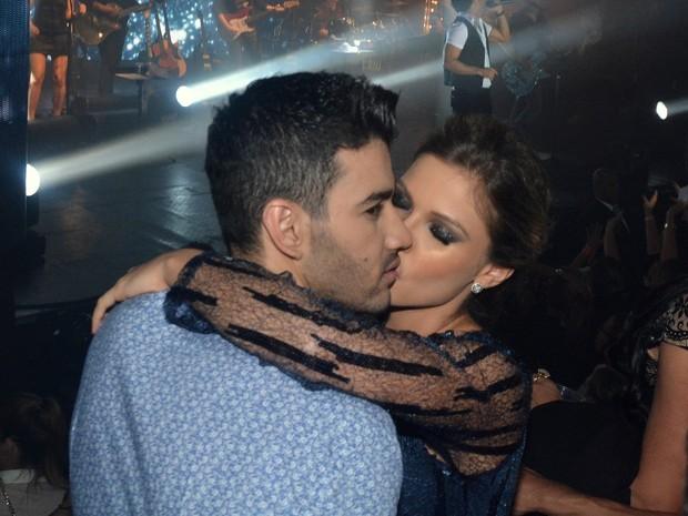 Gusttavo Lima com a noiva, Andressa Suita, em show em São Paulo (Foto: Caio Duran/ Ag. News)