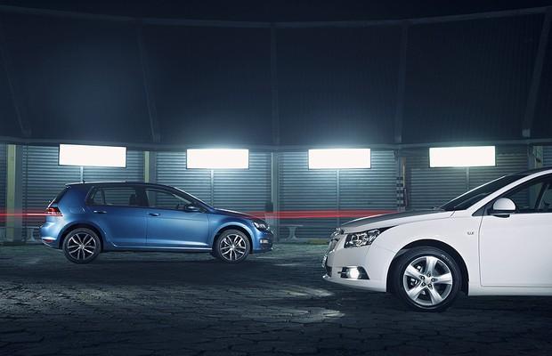 Avaliação: <b>VW Golf</b> encara <b>GM Cruze</b> em briga de hatches médios <b>...</b> 2014