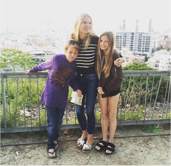A atriz Gwyneth Paltrow com seus dois filhos (Foto: Instagram)