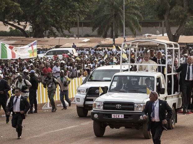 Papa Francisco, em visita a República Centro-Africana (Foto: Gianluigi Guercia / AFP)