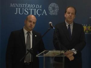 O diretor-presidente da Anac, Marcelo Guaranys, e o o presidente da Abear, Eduardo Sanovicz (Foto: Filipe Matoso/G1)