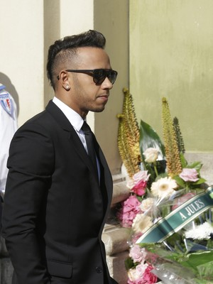 Lewis Hamilton no funeral de Jules Bianchi (Foto: AP)