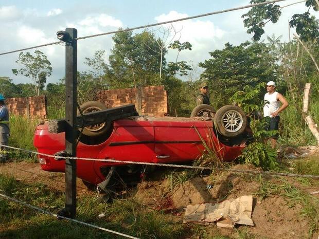 Resultado de imagem para Motorista morre após colidir carro em poste na rodovia PA-140