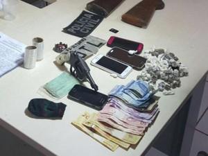 Apreensão de armas e drogas em Altamira (Foto: Divulgação/Polícia Civil)