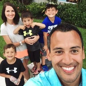 Jeff Rose, consultor financeiro, e seus filhos (Foto: Reprodução/Facebook Jeff Rose)