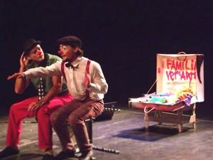 Peça resgata mundo do circo em Mogi das Cruzes. (Foto: Rebeca Fonseca/FamíliaVer´Arte)