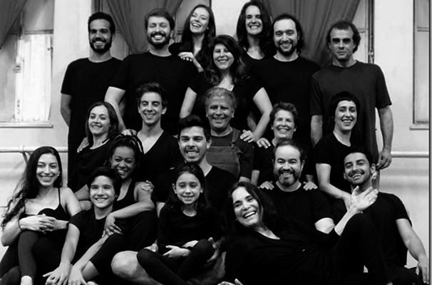 Regina Duarte e o Grupo de Estudo de Dramaturgia e Interpretação de Textos (Foto: Divulgação)