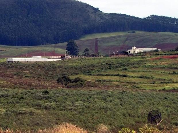 Falta de infraestrutura 'empaca' Distrito Industrial em Poços de Caldas (Foto: Reprodução EPTV)
