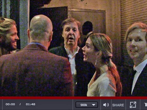 Taylor Hawkins, Woody Harrelson, Paul McCartney, Nancy Shevell e Beck são barrados em festa (Foto: Reprodução/TMZ)