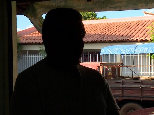 Pai da garota morta em Castelo fala sobre a saudade da filha  (Foto: Gilcilene Araújo/G1)