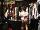 Patrícia França faz compras com a filha em shopping no Rio