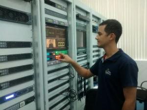 Erico Patrício é um dos engenheiros responsáveis pela implantação do sinal digital (Foto: Pedro Samora/G1)