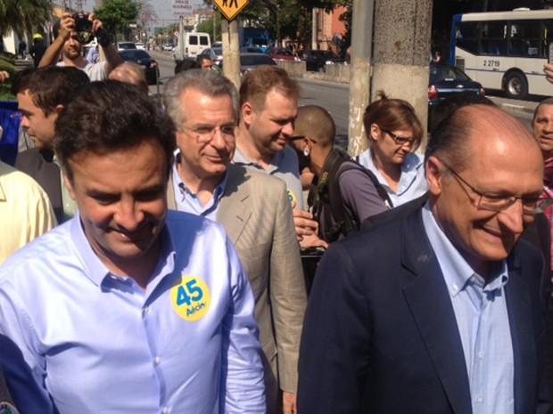 Aécio participa de evento de campanha em São Paulo ao lado do governador do estado, Geraldo Alckmin (Foto: Roney Domingos / G1)