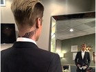 Justin Bieber exibe nova tatuagem no pescoço