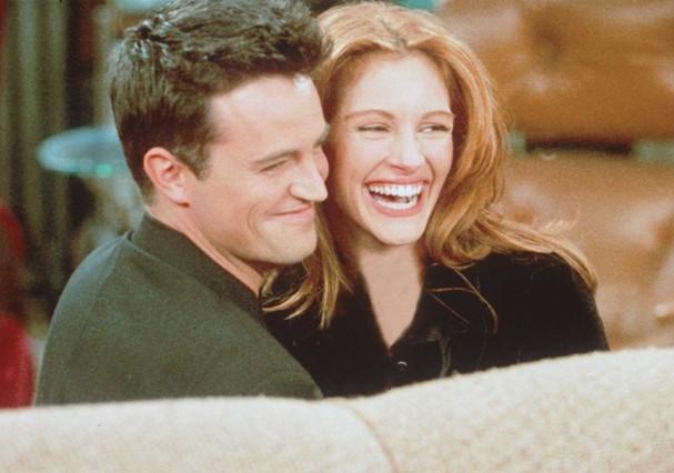 "Julia Roberts e Matthew Perry em ""Friends"" (Foto: Getty Images)"