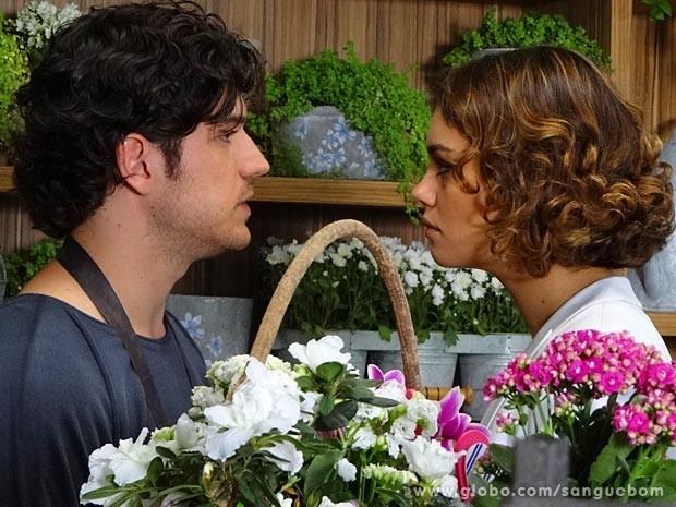 Bento e Amora discutem (Foto: Sangue Bom / TV Globo)