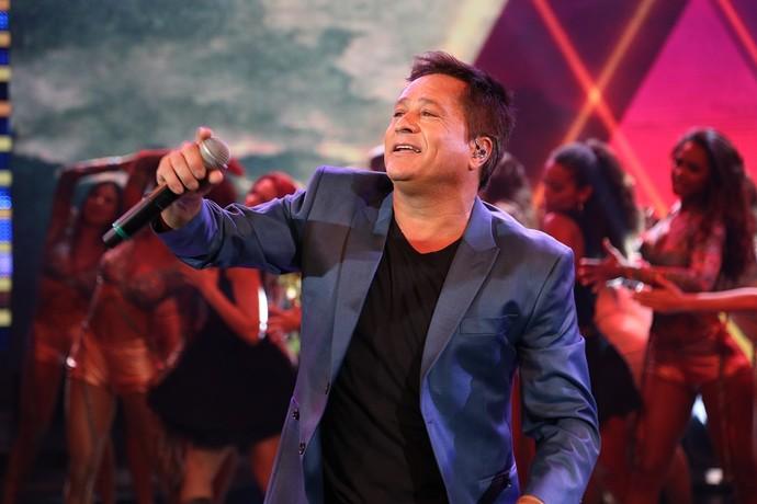 Leonardo levantou a plateia do 'Domingão do Faustão' (Foto: Carol Caminha/Gshow)