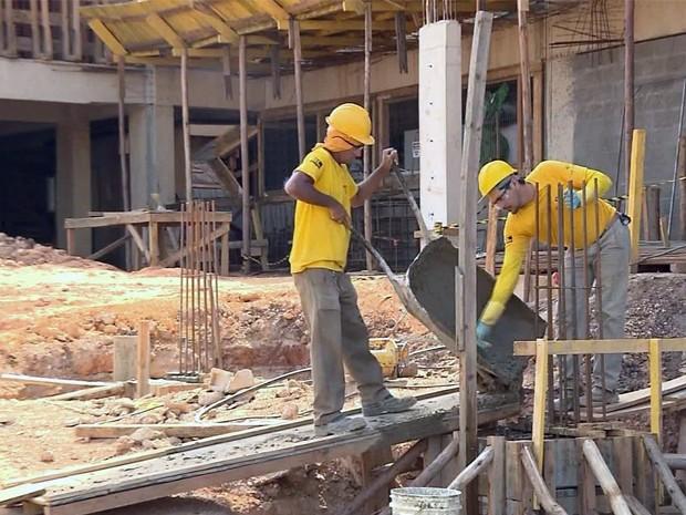 Foram feitos em torno de 960 pedidos de alvarás nos prímeiros oito meses deste ano em Pouso Alegre, MG (Foto: Reprodução/ EPTV)