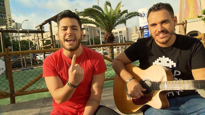 Sertanejos Dan Valente e Rafael Lemos falam de ex-namoradas e dão palinha de música (Foto: TV Bahia)