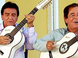 A dupla Craveiro e Cravinhos está no Caminhos da Roça deste sábado (Foto: Reprodução / EPTV)