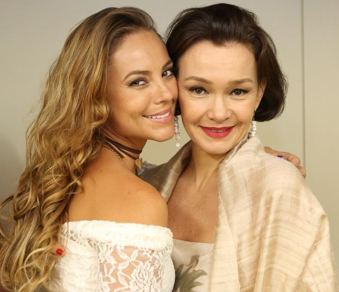 Mãe e filha na trama! Paolla Oliveira e Julia Lemmertz posam divas (Foto: Carol Caminha/Gshow)