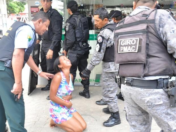 Refém é liberada por bandidos (Foto: Eduardo Duarte/Arquivo pessoal)